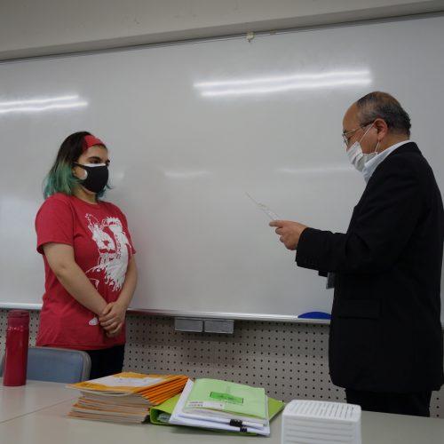 学生を表彰しました